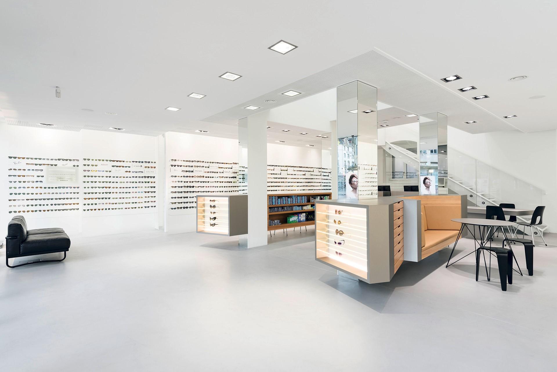 Burri Optik Uraniastrasse in Zürich - Adresse   Öffnungszeiten auf local.ch  einsehen 6224175791189