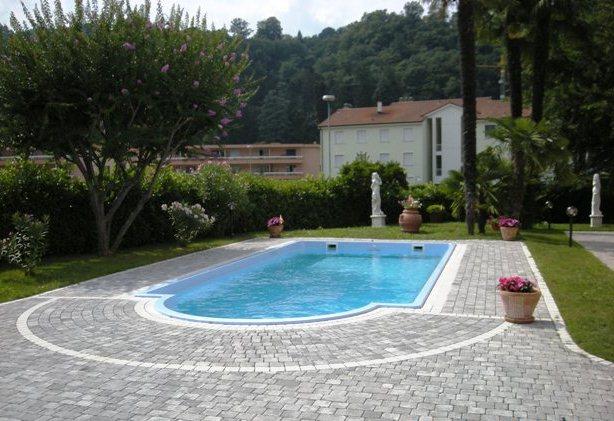 Lineablu piscine sagl a rivera indirizzi e orari d for Monoscocca in vetroresina