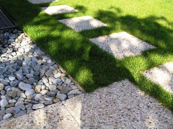 remplacer gravier par gazon elegant crer un jardin sur gravier with remplacer gravier par gazon. Black Bedroom Furniture Sets. Home Design Ideas