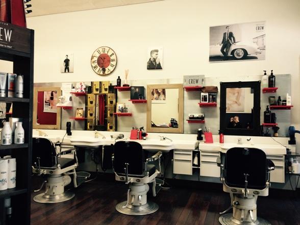 Barber shop Salon Moderne Sàrl Coiffeurgeschäft in La Chaux ...